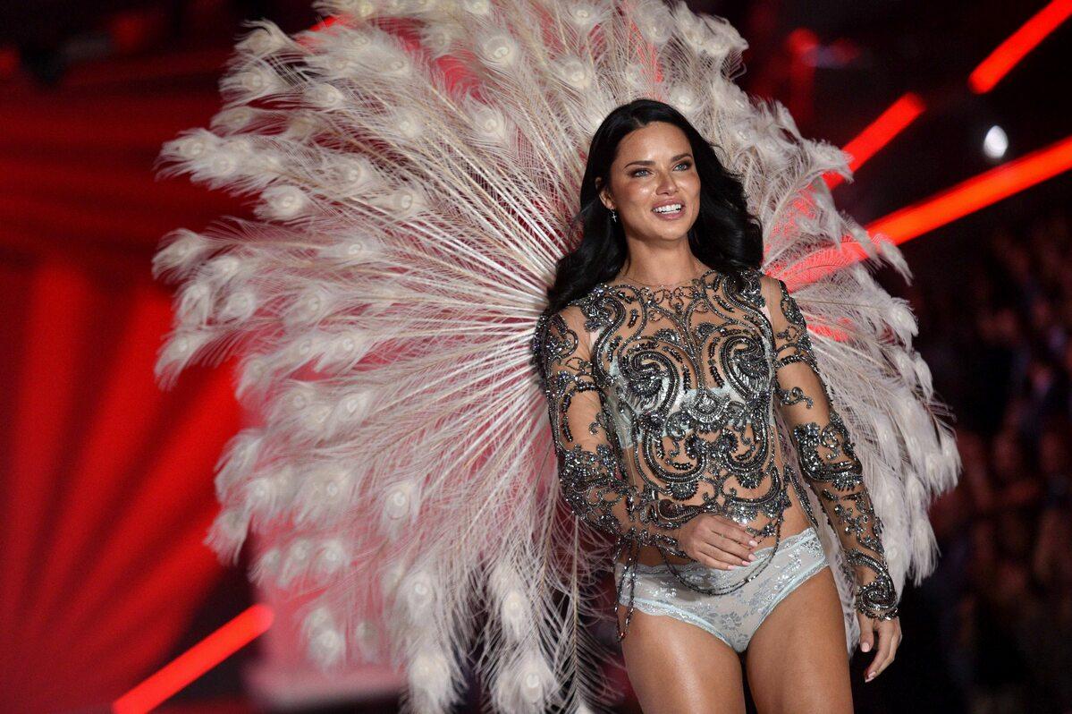 To był jej ostatni pokaz Victoria's Secret. Adriana Lima popłakała się nawybiegu