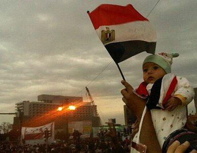Protestujący wracają na plac Tahrir