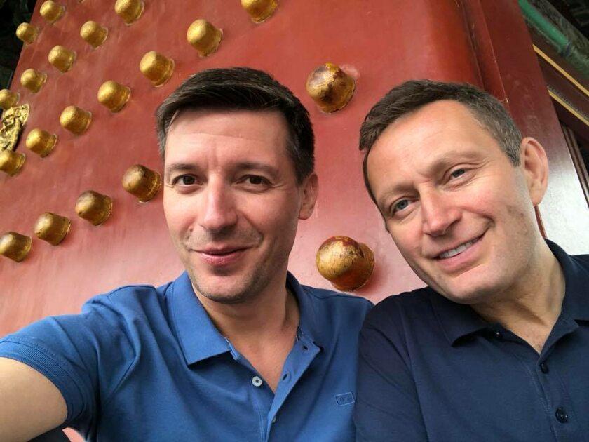 Paweł Rabiej i jego partner Michał Cessanis