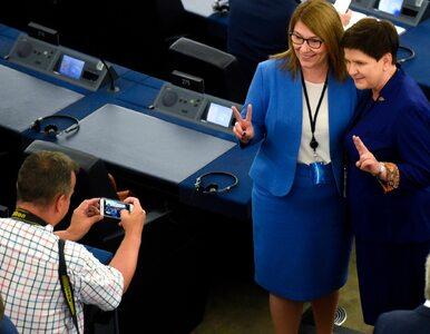 """Beata Mazurek też ma zdjęcie z Berlusconim. Internauci piszą o """"żenadzie"""""""