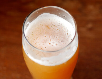 Włamał się do pubu i zabrał… kieliszki, szklanki oraz kufle
