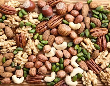 Regularne spożywanie orzechów może zmniejszyć ryzyko otyłości