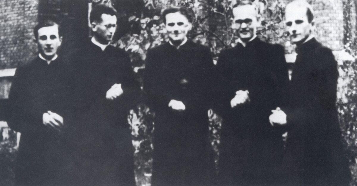 Karol Wojtyła (w środku) w czasie nauki w seminarium w 1946 roku
