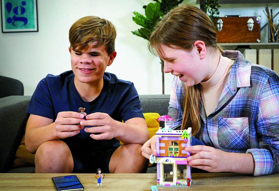 Firma LEGO niewidomym i niedowidzącym miłośnikom klocków dała możliwość ich układania dzięki instrukcjom w wersji audio