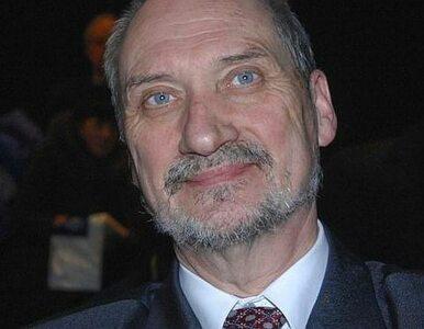 Macierewicz: czy Lasek jest prywatnym urzędnikiem Tuska?