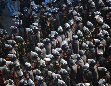 """Egipt: wojsko otoczyło protestujących. """"Opuśćcie plac"""""""