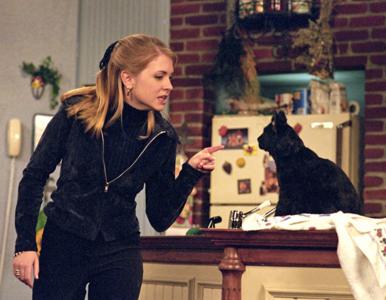 Jak zmieniła się serialowa Sabrina? Serial o nastoletniej czarownicy był...