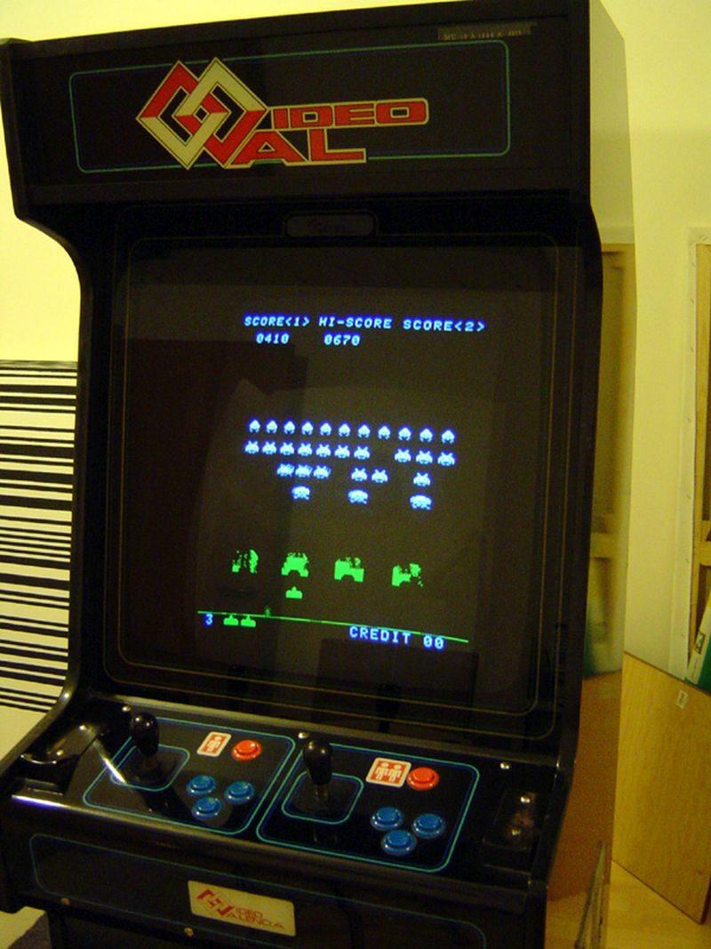 Automat z grą Space Invaders