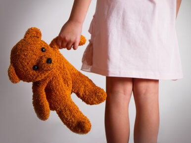 Czterolatka zgwałcona w szkolnej toalecie. Napadło ją trzech uczniów