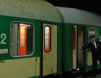 Zarzut gwałtu dla 27-latka. Zaatakował 64-latkę w pociągowej toalecie