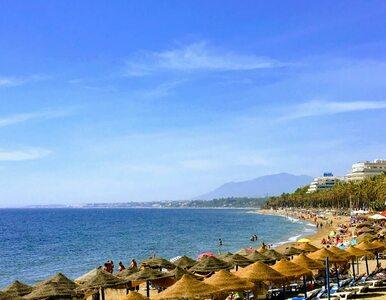 Tłumy na słynnych plażach. Zamknięte kilkadziesiąt kąpielisk na Costa...