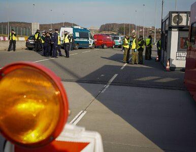Darmowa żywność i woda dla kierowców stojących w korkach na granicy