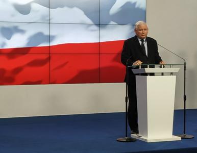 Kaczyński pojawił się na ślubie Kurskiego. Wiadomo, co wręczył nowożeńcom