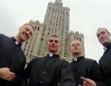 """""""Klerycy"""" ze spadochronami naruszyli prawo lotnicze"""