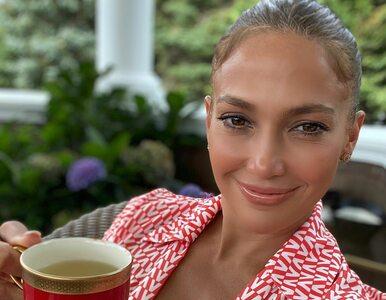 51-letnia Jennifer Lopez wrzuciła swoje zdjęcie w bikini. Fani są...