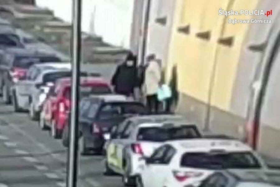 Policja poszukuje mężczyzny, który napadł na kobietę