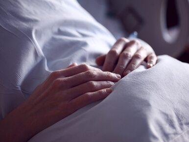 """Kobieta obudziła się ze śpiączki po 27 latach. """"Marzyłem o tej chwili"""""""
