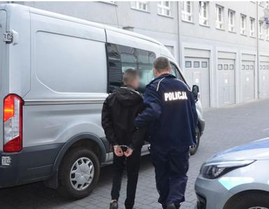 Gdańsk. 19-latek ukradł żelki warte 1000 złotych i 50 kg krówek