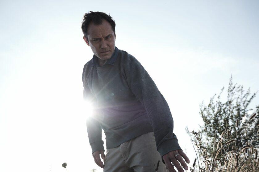"""Jude Law w serialu """"Dzień trzeci"""""""