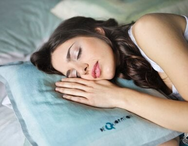 Czy melatonina może pomóc w łagodzeniu objawów COVID-19?