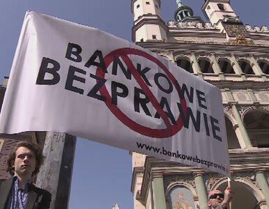 """Protest frankowiczów w Poznaniu. """"Banki stosują nielegalne klauzule"""""""