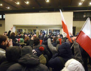 Kolejny uczestnik protestów przed Sejmem z zarzutami. Są zapowiedzi pozwów