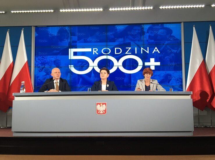 """Konferencja podumowujca pierwszy etap programu """"Rodzina 500 +"""""""