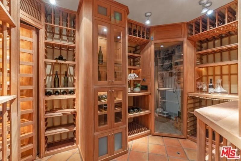 Dom Leighton Meester i Adama Brody położony jest w Topanga w stanie Kalifornia