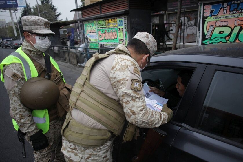 Kontrola dokumentów w Santiago, Chile