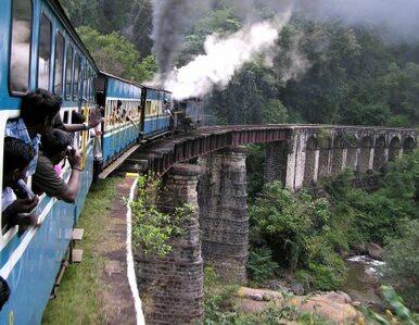 Katastrofa kolejowa w Indiach. Pasażerowie spłonęli żywcem