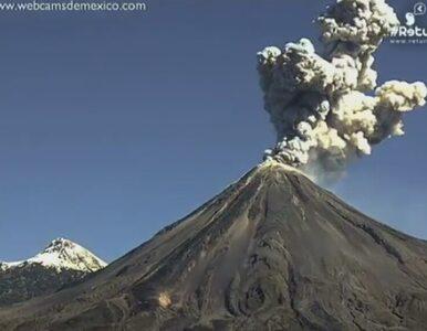 Wulkan w Meksyku wyrzuca pył na wysokość 2 km. Niesamowite zdjęcia