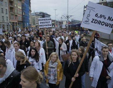 Szczecińscy lekarze zakończyli strajk głodowy. Obawiali się o własne...