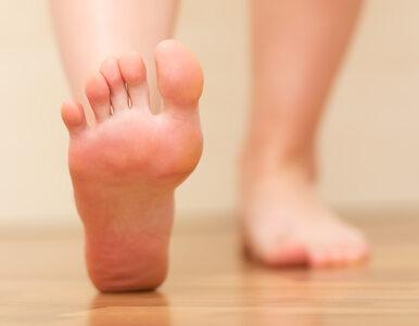Wrażliwe miejsca na stopach i dłoniach. Czym jest refleksologia?
