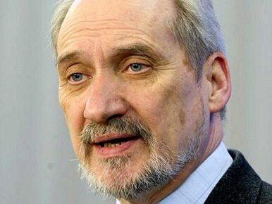 """Konferencja prasowa zespołu Macierewicza. """"Przemysł pogardy pracuje..."""