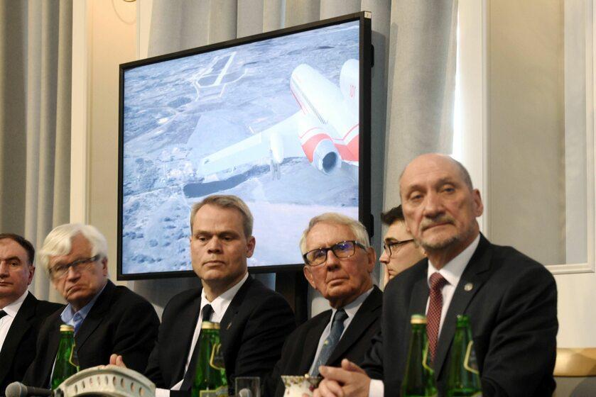 Konferencja podkomisji smoleńskiej w kwietniu 2018 roku