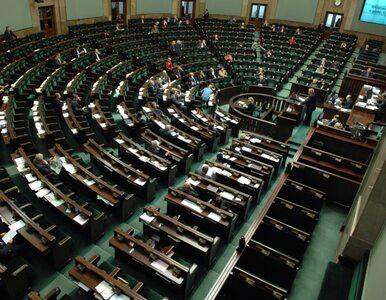 PiS pomógł Gowinowi. Sejm przyjął ustawę deregulacyjną