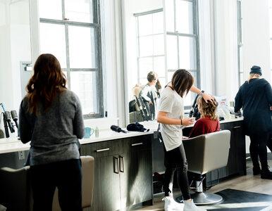 Salony fryzjerskie i kosmetyczne ponownie otwarte. Morawiecki podał datę
