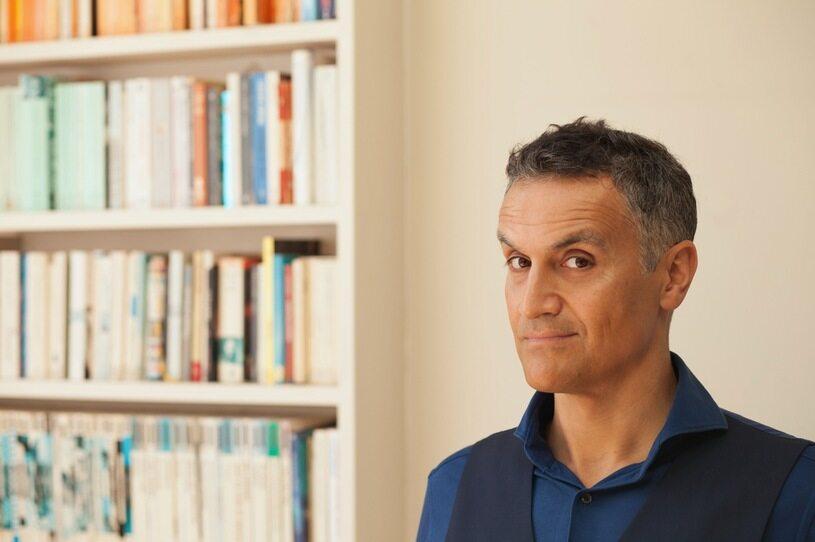 """Carl Honoré autor bestsellerowej książki """"Siła wieku. Szczęśliwe życie w epoce długowieczności"""""""
