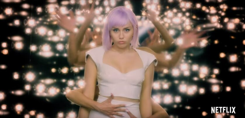 "Miley Cyrus w 5. sezonie serialu ""Black Mirror"""