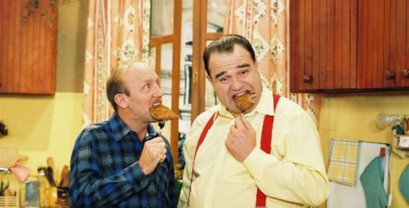 """QUIZ z serialu """"Miodowe lata"""". Ile pamiętasz z przygód Tadzika i Karola?"""