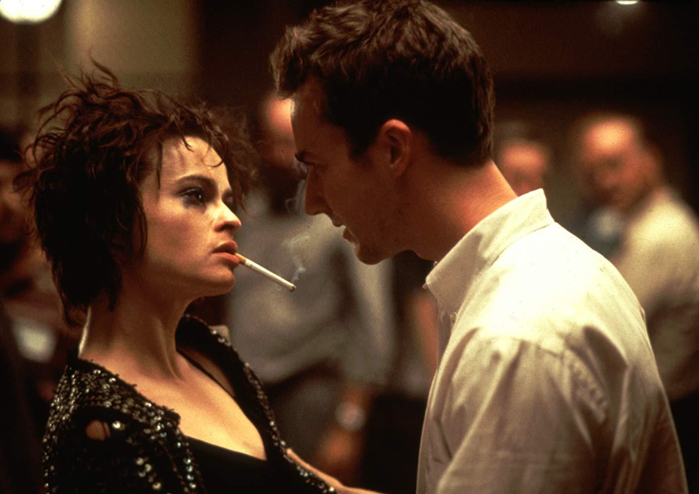 """Gdzie poznają się Narrator (Edward Norton) oraz Marla (Helena Bonham Carter) w filmie """"Podziemny krąg""""?"""